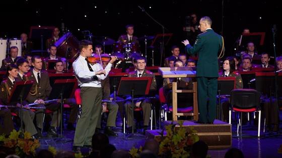 «Astor-Trio»: Андрей Пашкевич (скрипка), Владислав Алмакаев (виолончель), Владимир Магалашвили (фортепиано). Артисты академии «Arcetango»