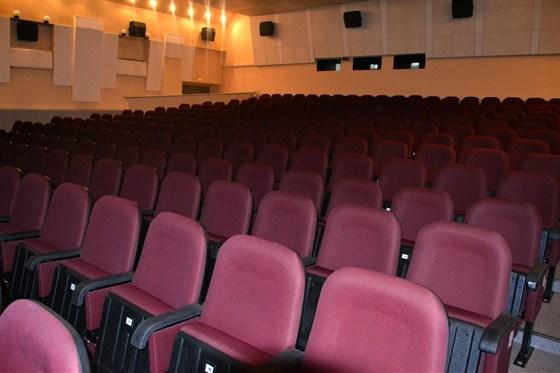 Кинотеатр Художественный - Фотографии - Кинотеатр (21 из 25) - Кинотеатры Самары - Афиша.